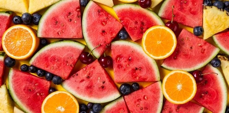 Owoce wspomagające odchudzanie - które z nich jeść?