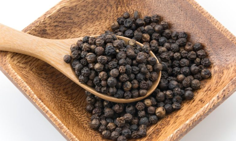 Piperyna – genialny składnik pieprzu