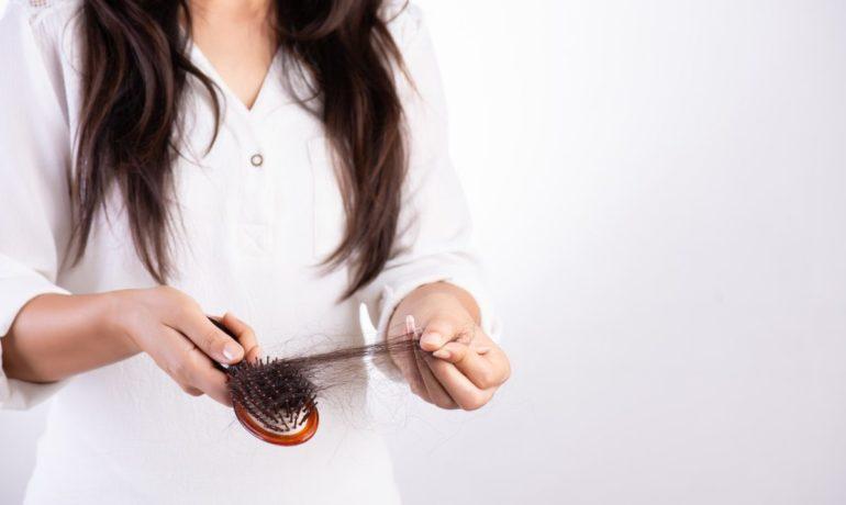 Czy dieta wpływa na wypadanie włosów?